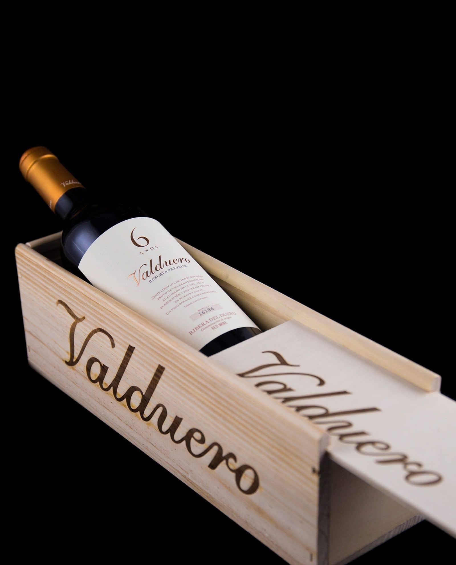 Caja de madera con vino Valduero 6 años, Bodegas Valduero, regalos gourmet, Ribera del Duero