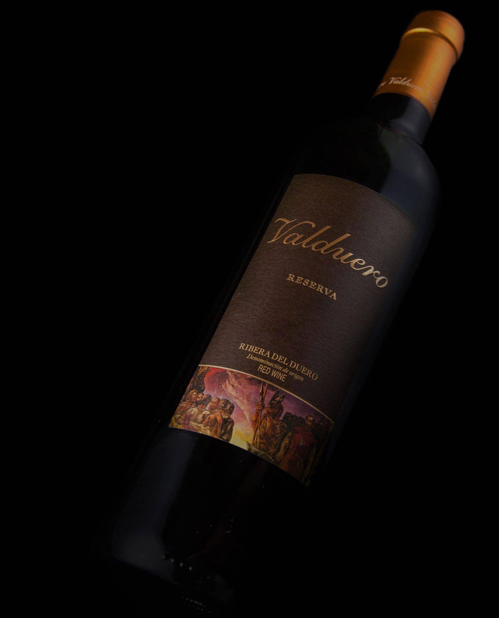 detalle de la Botella de Valduero Reserva, vino de la RIbera del Duero