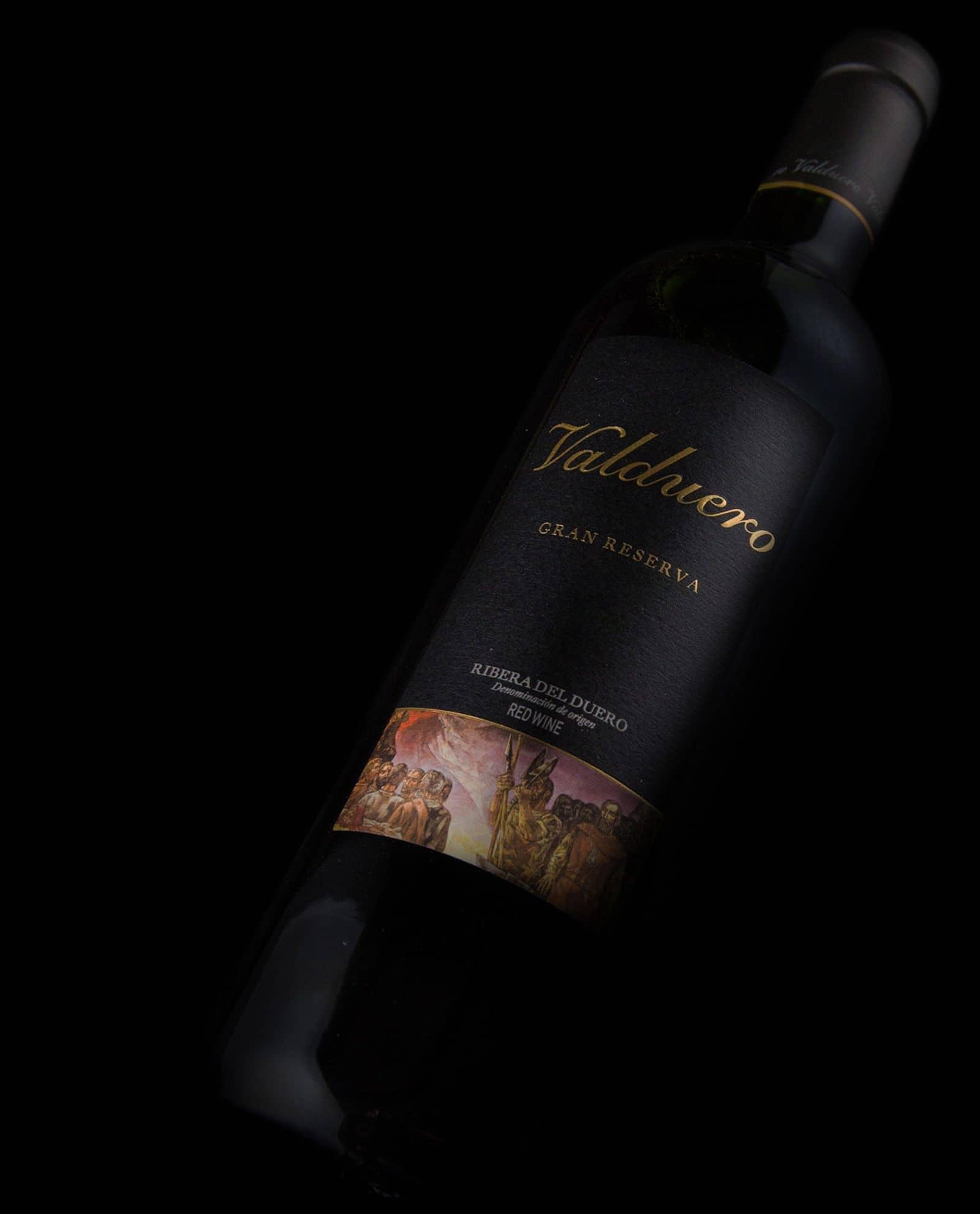 detalle de la Botella de Valduero Gran Reserva, vino de la RIbera del Duero